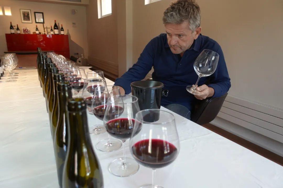 为何他能频频酿出西班牙神酒?我们和Alvaro Palacios聊了聊
