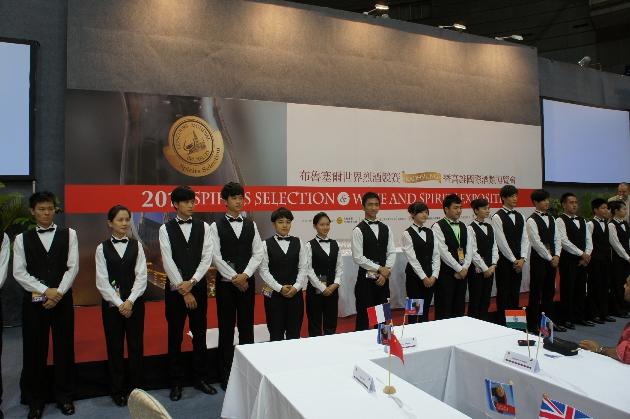 活动的服务都是由高雄本地大学生提供,图片来源:施晔