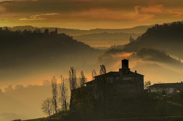 """巴罗洛同样是""""王者之酒""""之一,图片来源:ANTONIO RINO GASTALDI"""
