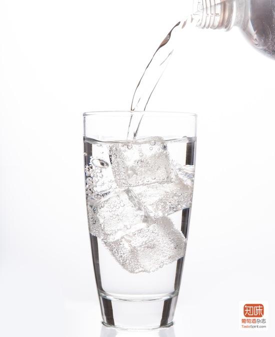 请注意要选无味的气泡水哦