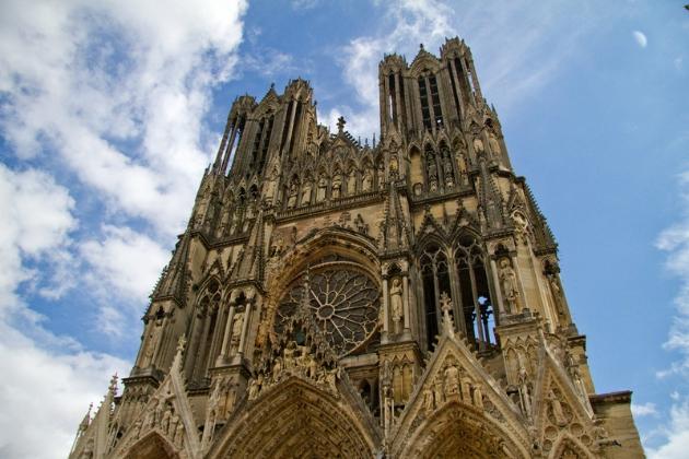 香槟区的兰斯大教堂,见证了整个西欧文明的崛起,也见证了香槟之城的变迁