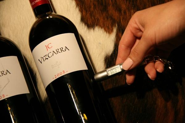 66℉(约为19℃)对一瓶易饮类型的酒来说,可能过热了点。来源:winesoiree