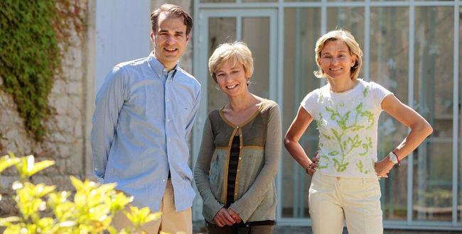 让-尼古拉·米奥(左一)和他的家人