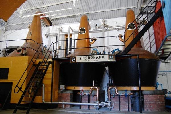 坎贝尔顿(Campbeltown)的云顶(Springbank)威士忌蒸馏厂