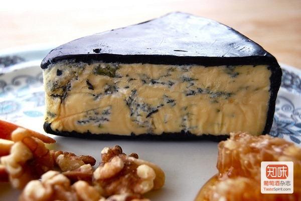 美丽的青纹奶酪搭配核桃享用口感更佳, 图片来源:sevenworlds16