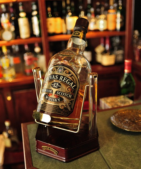 家喻户晓的芝华士品牌威士忌,图片来源:Robert W. Howington