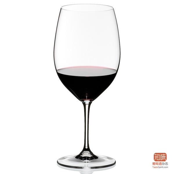 Riedel波尔多酒杯,高度与一瓶750ml波尔多肩部相当