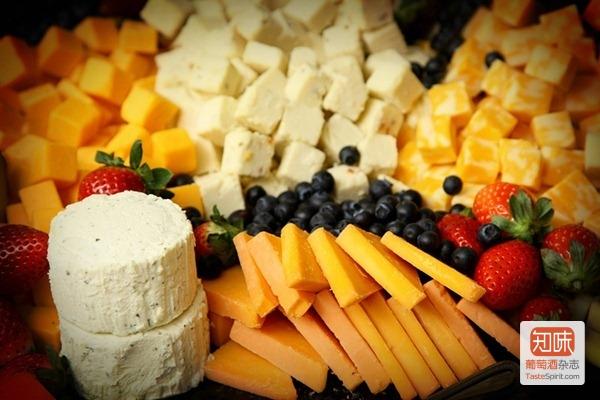 诱人的奶酪拼盘