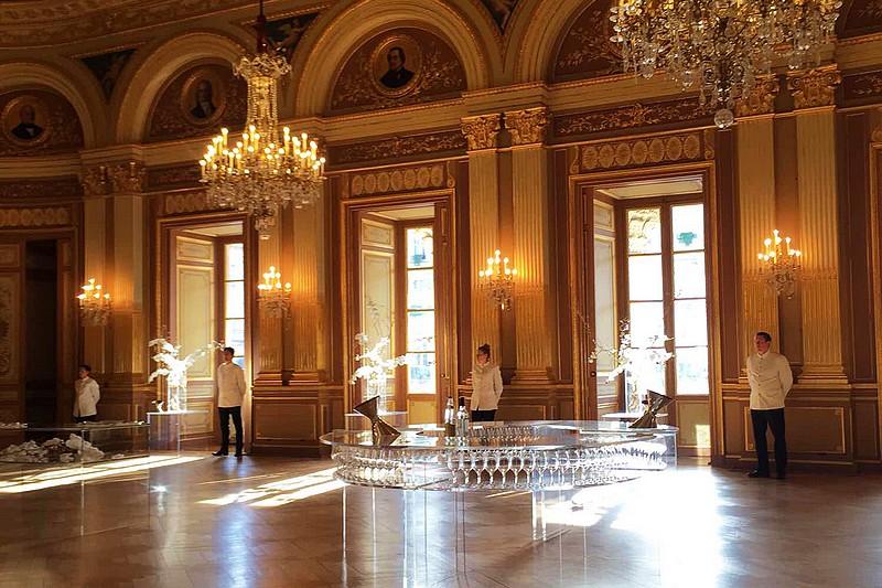在波尔多大剧院举行的伊甘酒庄(Chateau d'Yquem)品鉴会,照片:凌子/知味葡萄酒杂志