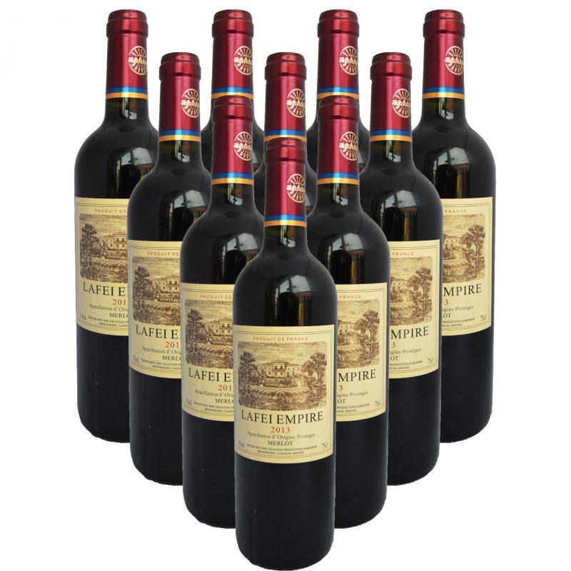 """现在还偶尔在冷僻市场看到的""""拉菲帝国"""",很时髦的用了新的AOP写法,问题是美乐(Merlot)是个品种,不是产地啊……顺带一提,这款假酒还有2014年份,酒标上的品种换成了赤霞珠……"""