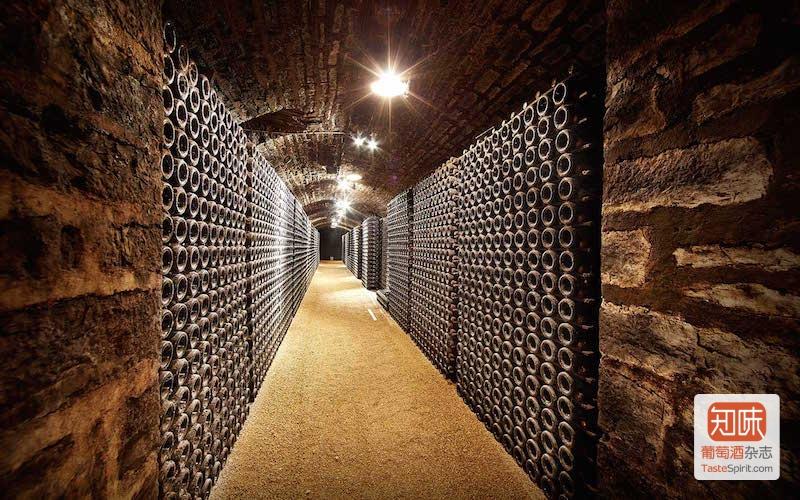Chateau de Pommard 的酒窖