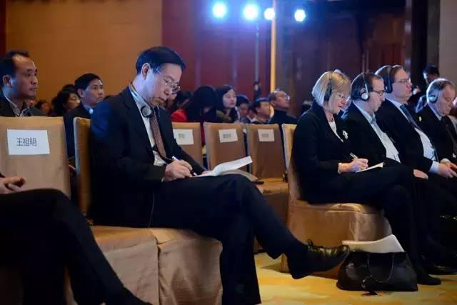 WSET全球总裁、杰西斯·罗宾逊、贝尔纳·布尔奇、伊安·达加塔、郝林海等行业领袖及产区代表作为列席嘉宾,就论坛主题奉上了极为精彩的智慧碰撞。