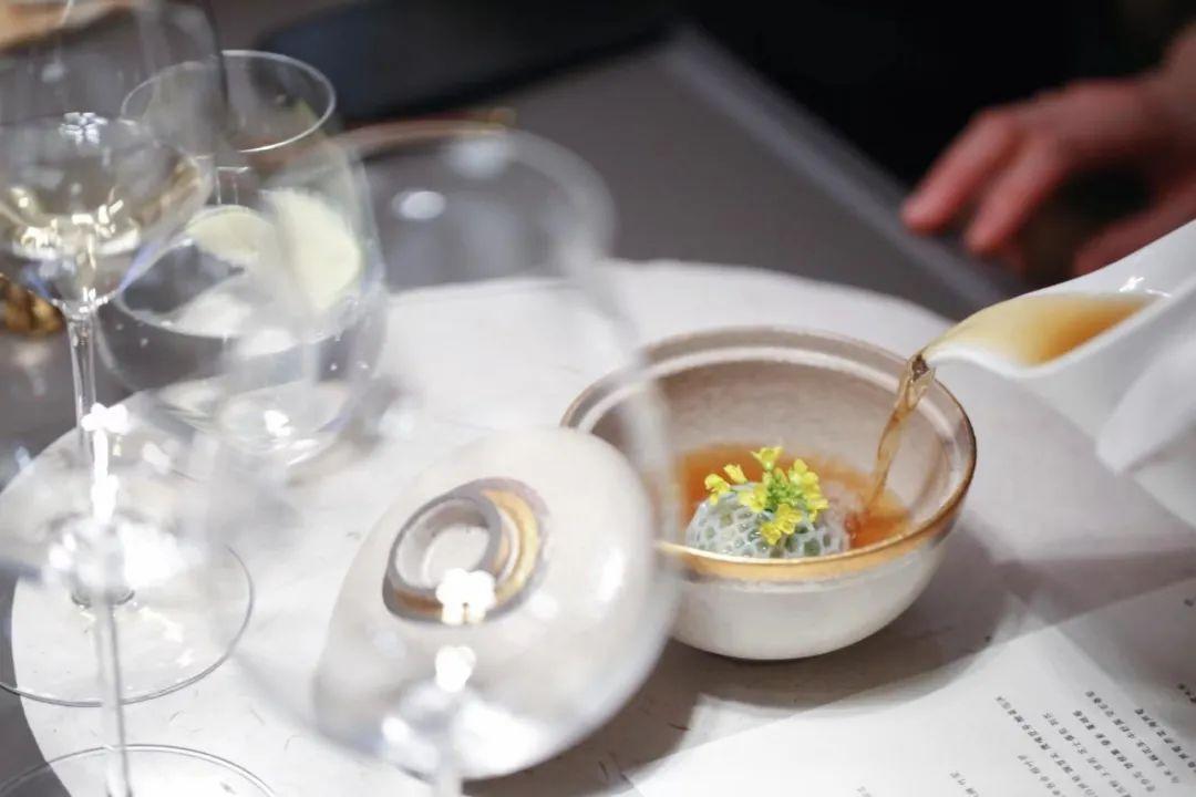 北京   风土与禅意的融合--探究伟大白葡萄酒里的「山河万朵」