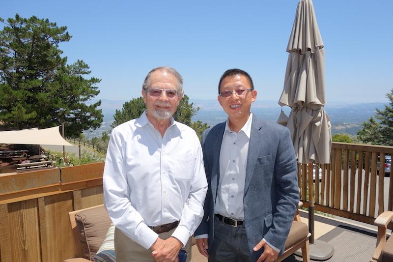 Paul Draper(左)与李东(右)合影,图片来源:李东