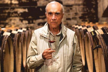 """罗曼尼康帝酒庄的主人奥贝尔·德·维兰(Aubert de Villaine),""""克里玛""""(Climat)申报协会主席"""