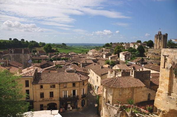 波尔多右岸的圣爱美隆产区(Saint Emilion)
