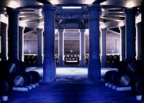 里卡多·波菲(Ricardo Bofill)1987年为拉菲古堡设计建造的酒窖