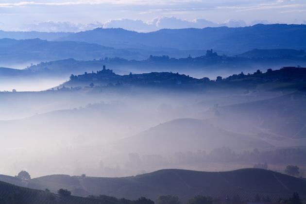 巴洛罗产区Massolino的晨雾,图片来源:cantinacaputo.com