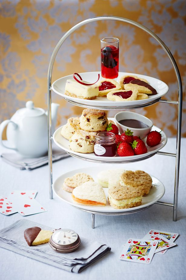 queens-of-hearts-afternoon-tea-guildford