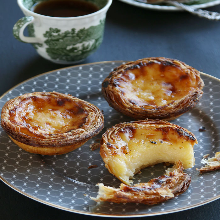 spiced-apple-custard-tarts-with-streusel-topping-1