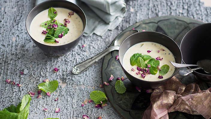 点缀了薄荷的酸奶麦粥,图片来源:sbs.com.au