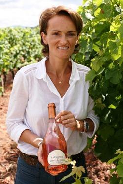 圣萝赛琳酒庄的庄主Aurélie BERTIN TEILLAUD和她的普罗旺斯桃红酒,来源:Château Sainte-Roseline