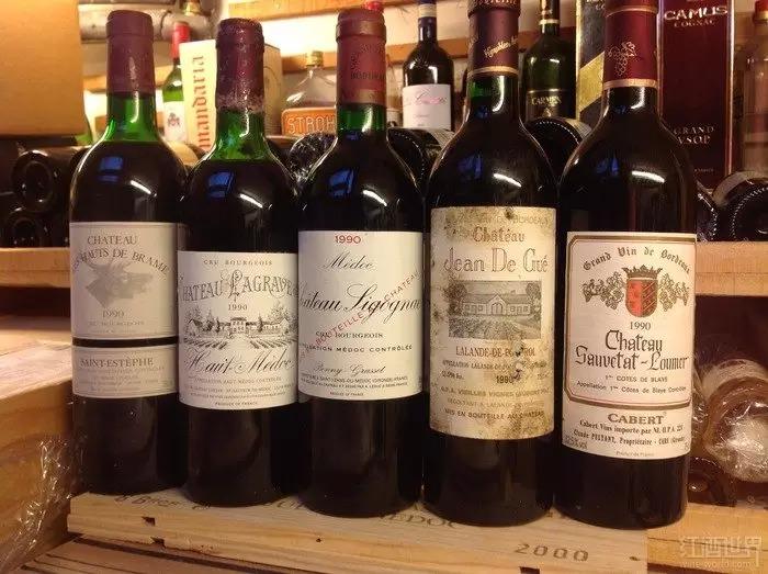 杰出的1990年波尔多干红葡萄酒