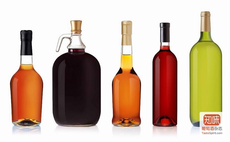 不同的葡萄酒的颜色千差万别