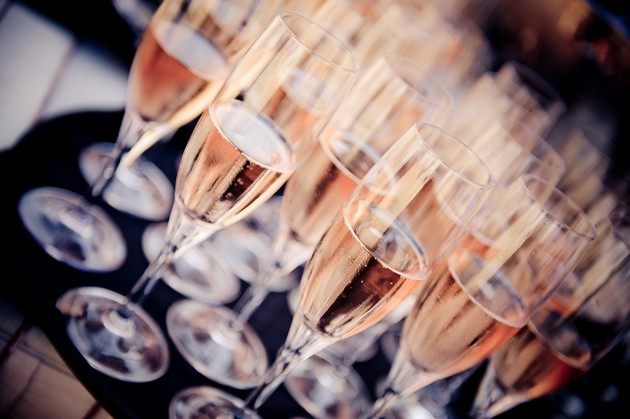 酒评家布尔奇精选推荐:10款酒农桃红香槟
