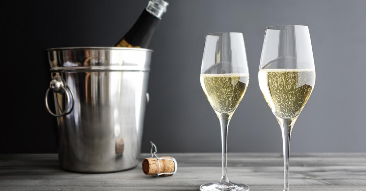 champagne-wine-glasses-fb