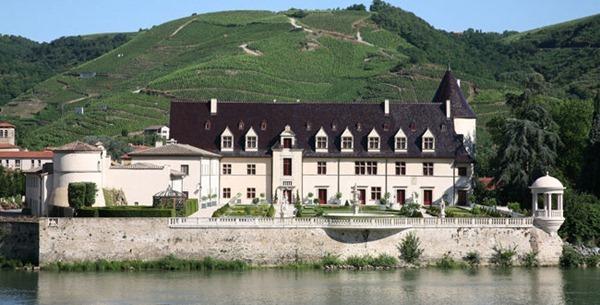 吉佳乐酒庄(E. Guigal)的安皮城堡(Château d'Ampuis),来源:Guigal