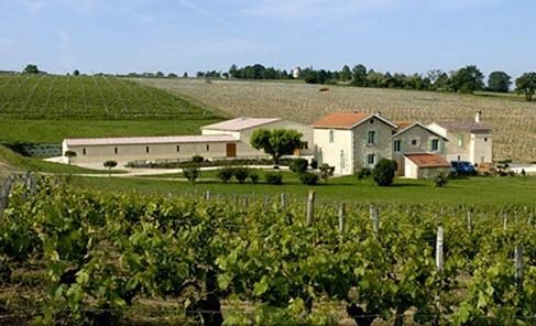 位于卡斯蒂永-波尔多丘(Castillon-Côtes-de-Bordeaux)的卢卡城堡(Château Lucas)