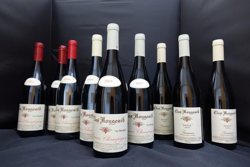 Clos Rougeard的酒,其中最有特色的是红的Le Bourg, Le Poyeaux和白的Brézé