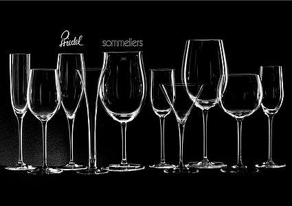 Claus Riedel推出的前两个系列,左侧3个杯子就是1961年的第一个系列