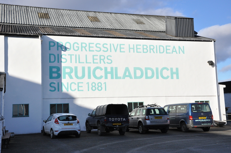 建立于1881年的Bruichladdich,当时也是拥有百年历史的老厂了