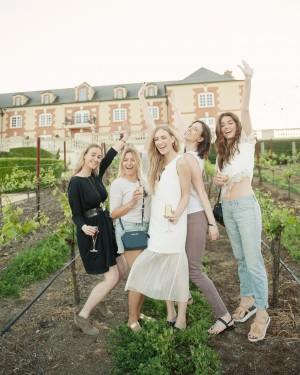 eatsleepwear-napa-valley-bachelorette-party-friends-vineyard-arms-0415_vert