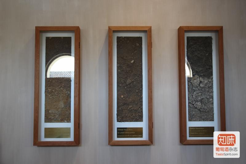 左中右分别为三种土壤的样本,图片来源:凌子