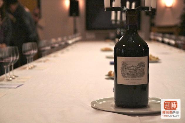 在酒庄进行期酒品鉴,图片来源:凌子|知味葡萄酒杂志