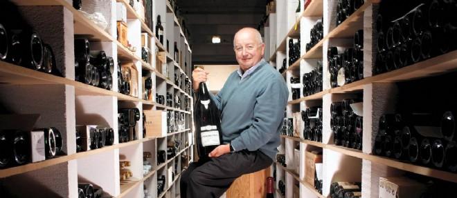酷爱收藏老酒的Francois Audouze拥有超过1万瓶1961年之前的葡萄酒,图片来源:lepoint