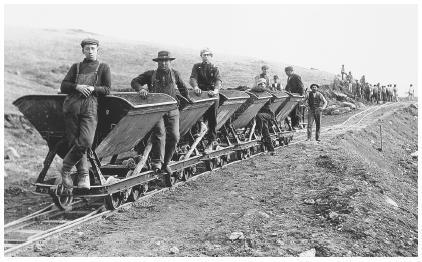 早期的意大利移民,往往是因为淘金热和开矿热来到美国内陆地区