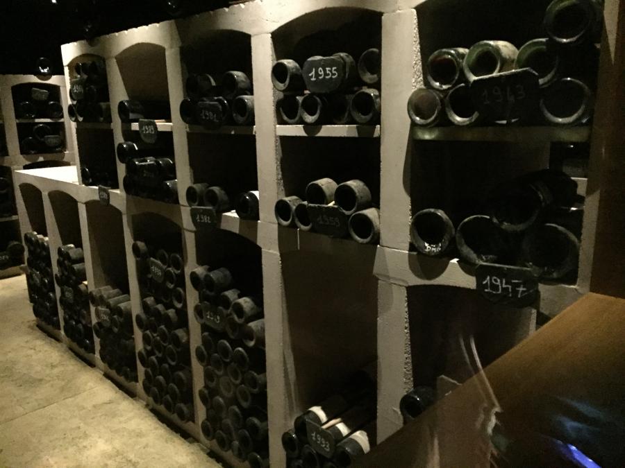 酒窖里的老酒