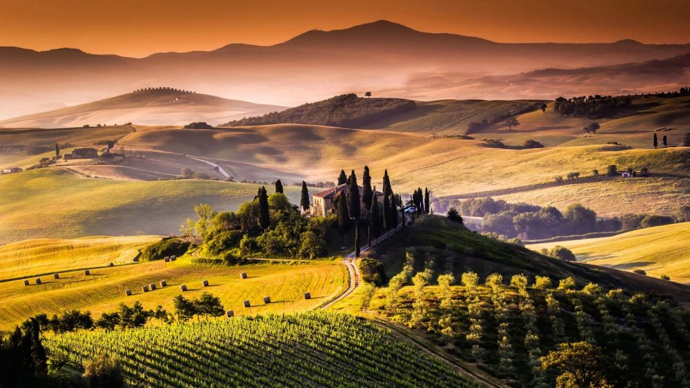 italy-tuscany-red-hills