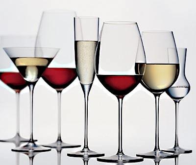 酒杯:葡萄酒在这里谢幕