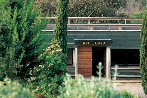 奥纳亚 Ornellaia的酒庄大门,来源:Ornellaia
