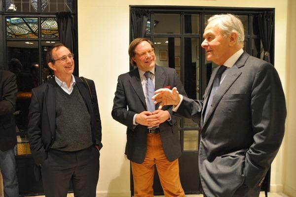 左起:酒评家贝尔纳·布尔奇(Bernard Burtschy),伊安·达加塔(Ian D'Agata),贝尔纳·马格雷(Bernard Magrez),来源:知味葡萄酒杂志