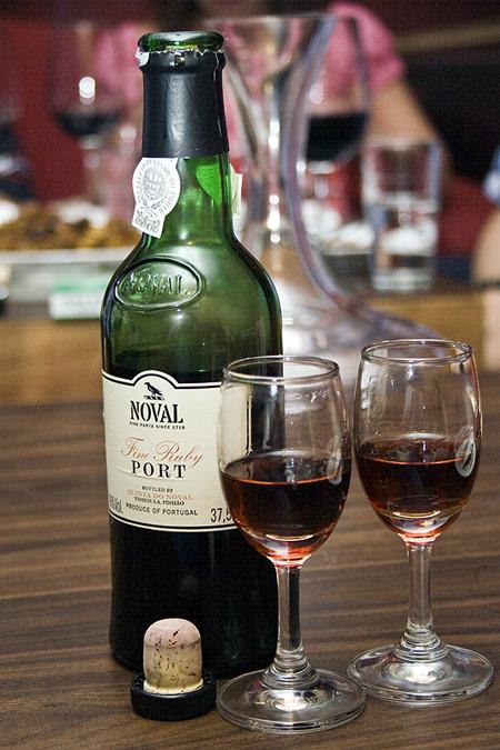 著名的波特酒庄火鸟庄园(Quinta do Noval)的波特酒,来源:socialtuna.com