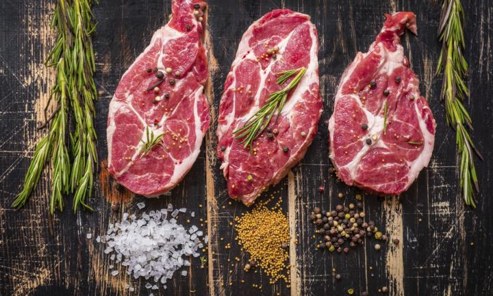 raw-meat-steak-on-dark-wooden-background-ready-to-roasting-20151215092958-jpg-q75dx720y432u1r1ggc