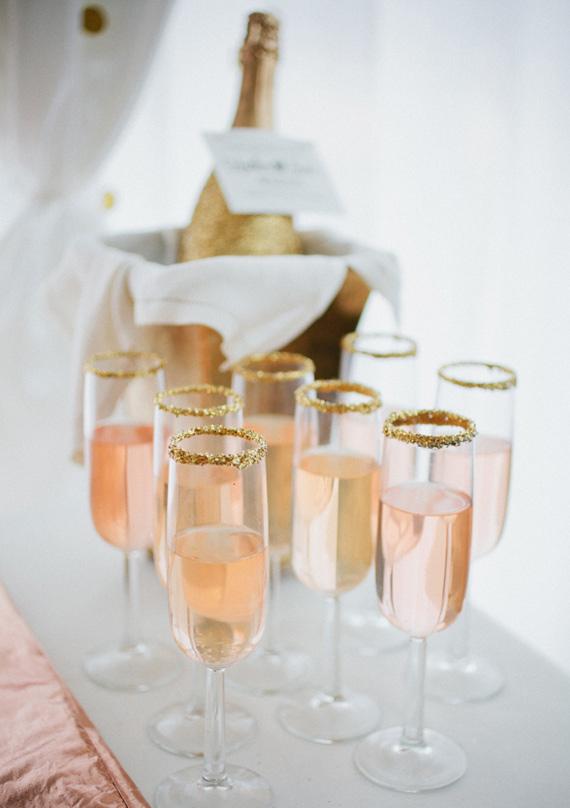 迷人的桃红香槟也成了婚礼上的宠儿