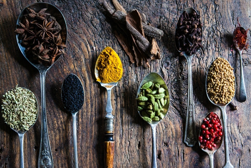 spices-on-metal-spoons1