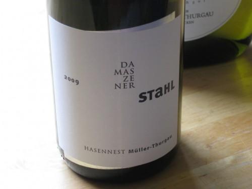 """虽然不比当年,但是仍然有不少酒庄在努力尝试酿制优秀的米勒托高,图片:winzerhof stahl, müller-thurgau hasennest """"damaszenerstahl"""", 2009"""